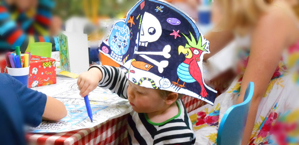 Colour-in Party Hat – Pirate